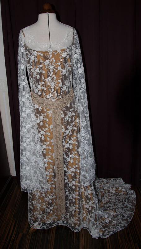 Elfenhafte Brautkleider