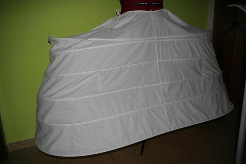 rokoko kleider historische kost me nach wunsch und ma. Black Bedroom Furniture Sets. Home Design Ideas