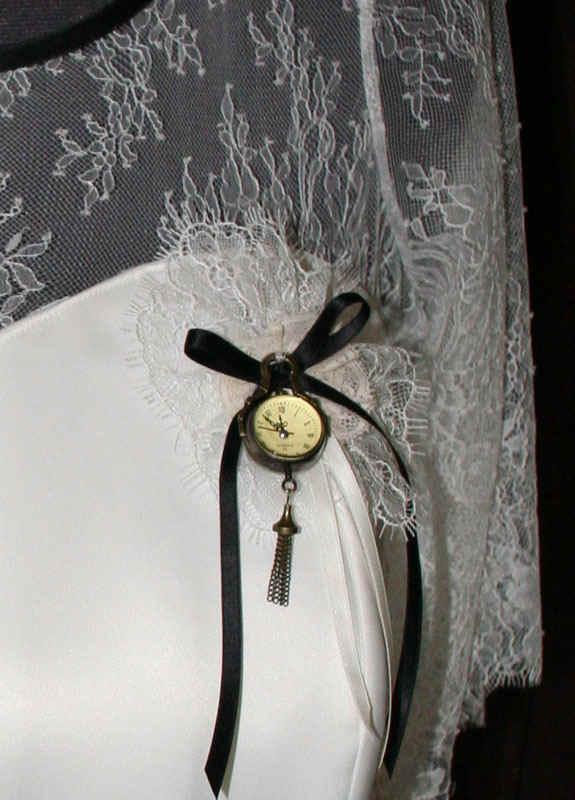 Steampunk Brautkleid Taschenuhr