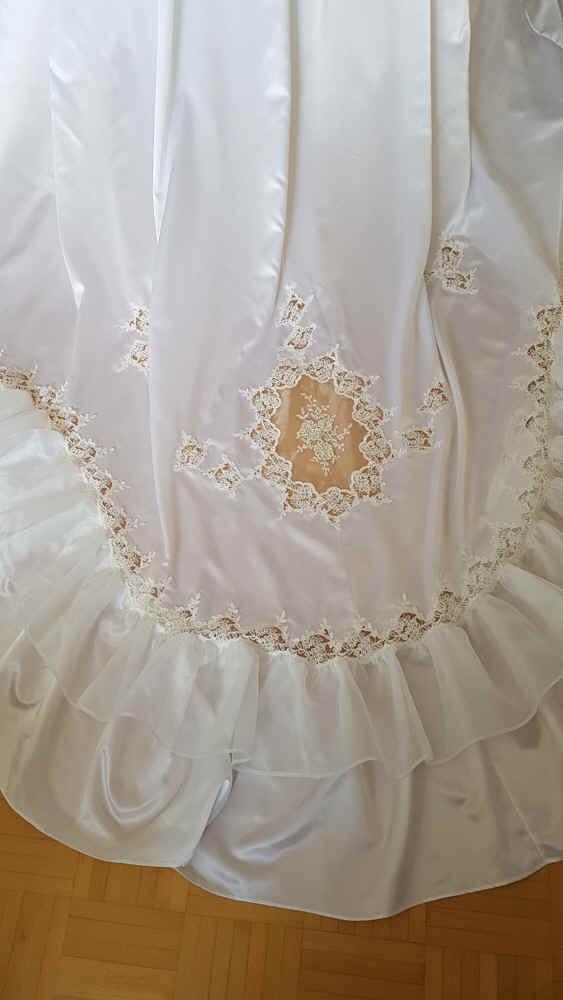 Brautkleid Schleppe 80er Jahre