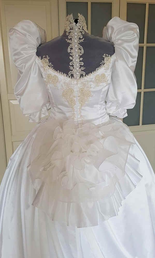 Brautkleid 80er Stil