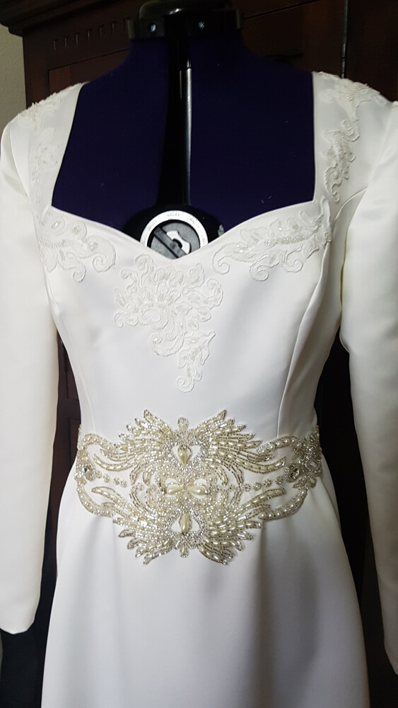 Brautkleid Ärmel Perlen