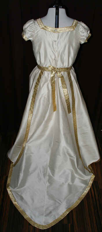 Brautkleid Regency creme gold