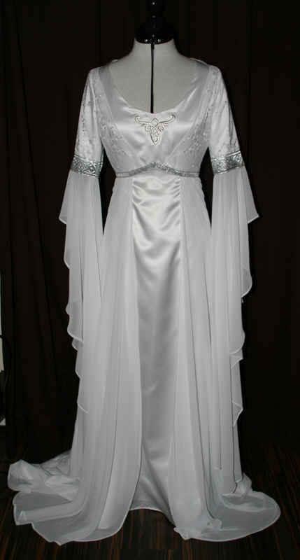Brautkleid Mittelalter weiss