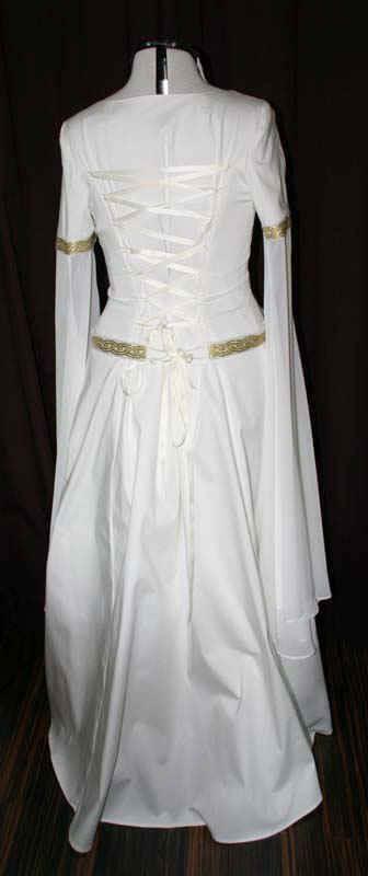 Mittelalter Brautkleid schneidern lassen