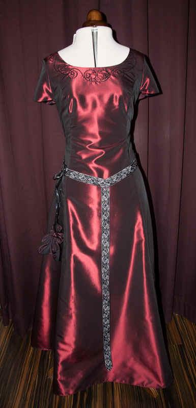 Brautkleid rot Taft
