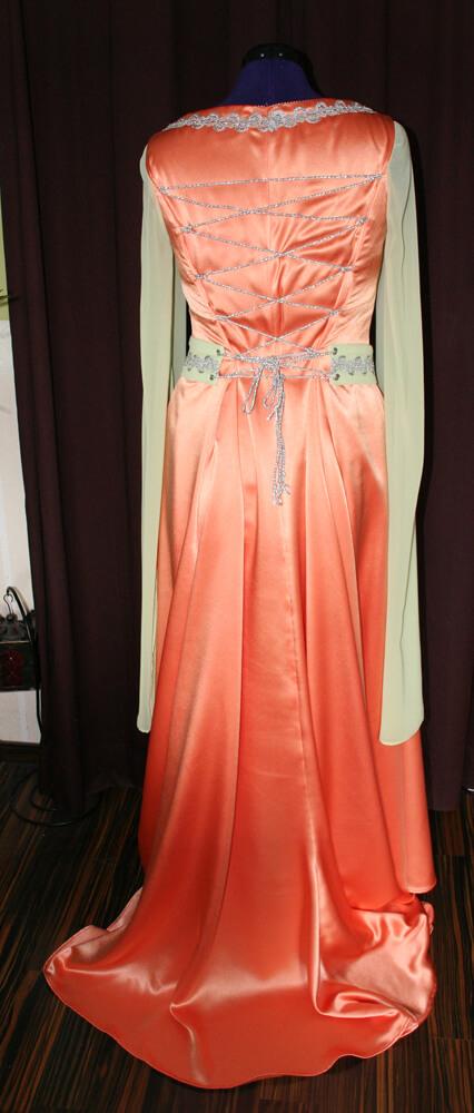Brautkleid Rückenschnürung apricot