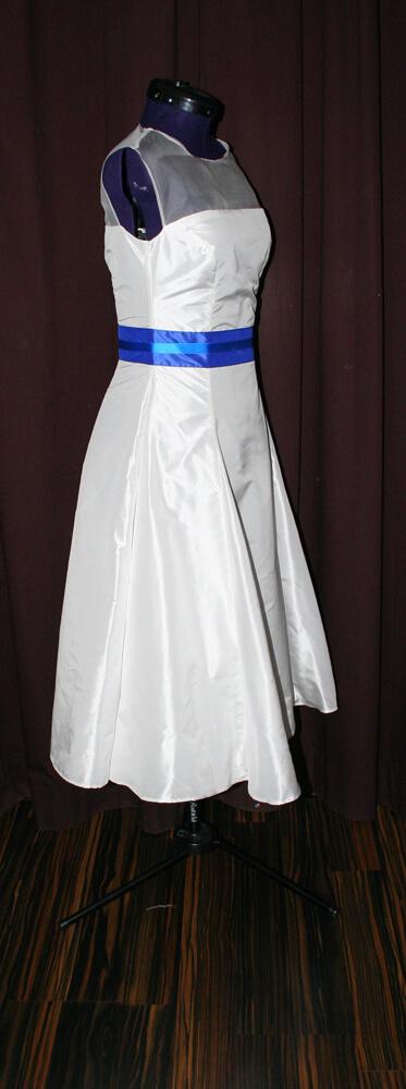 Brautkleid kurz weiss blau