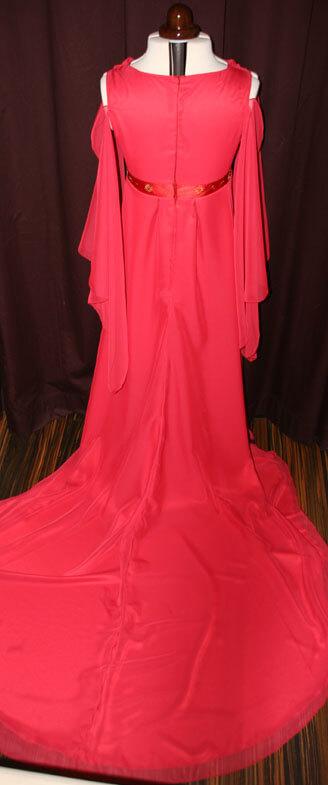 Brautkleid lange Schleppe rot