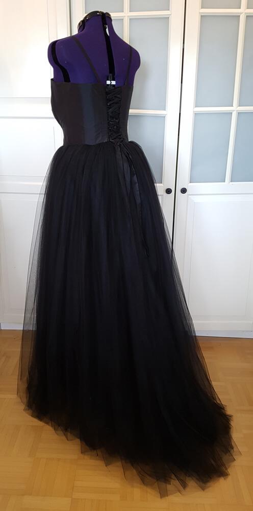 Hochzeitskleid schwarz