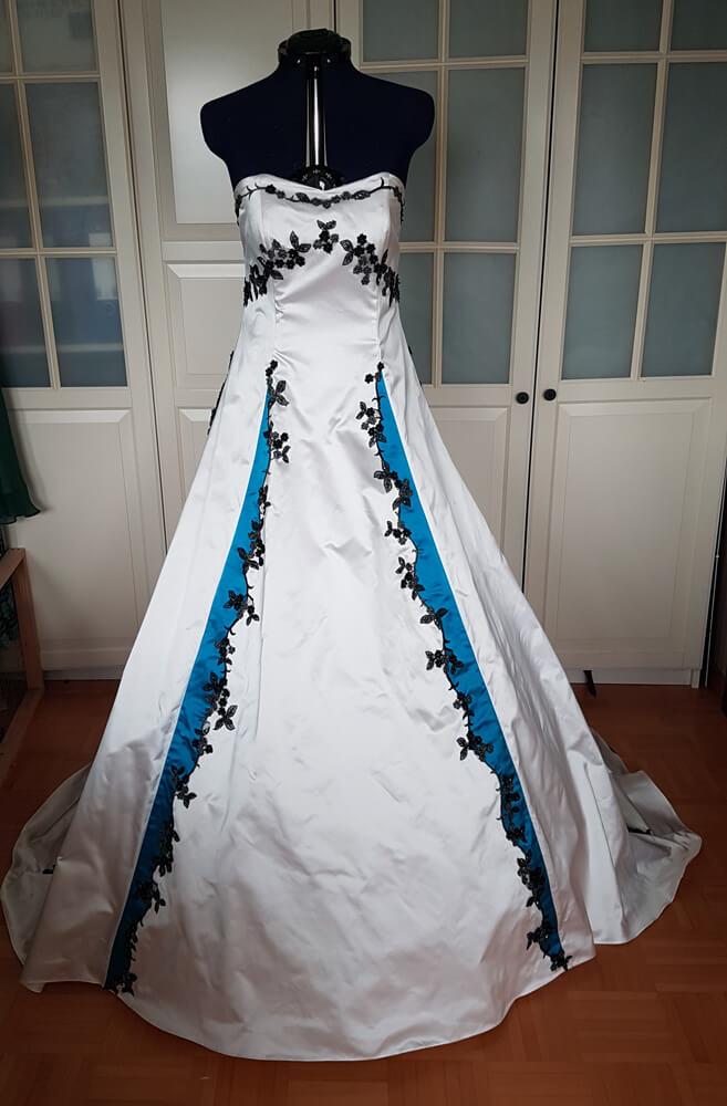 Brautkleid Seide weiss türkis