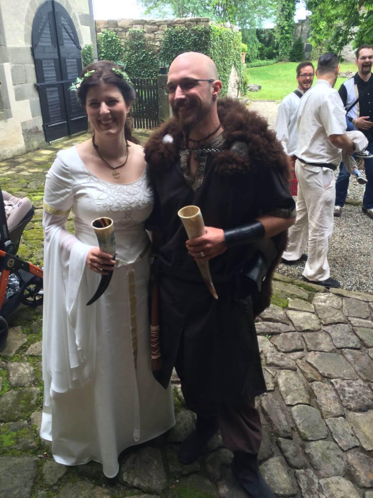 Mittelalterhochzeit Brautkleid