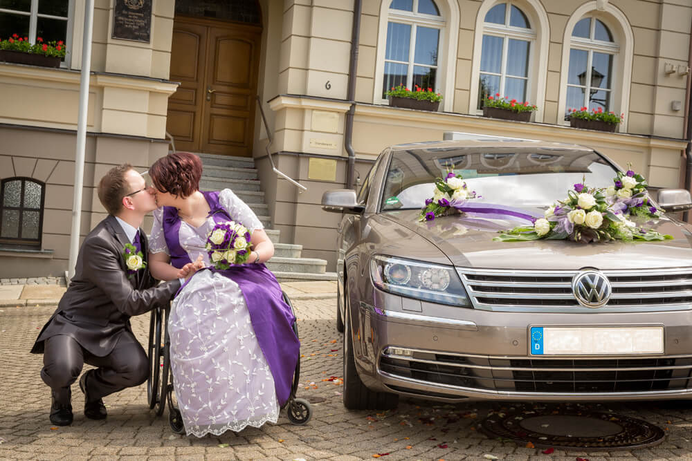 Hochzeit Rollstuhl Brautkleid