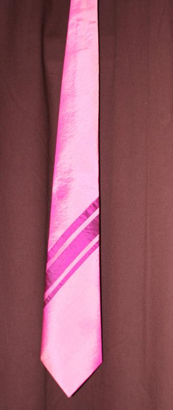 Krawatte zum Brautkleid