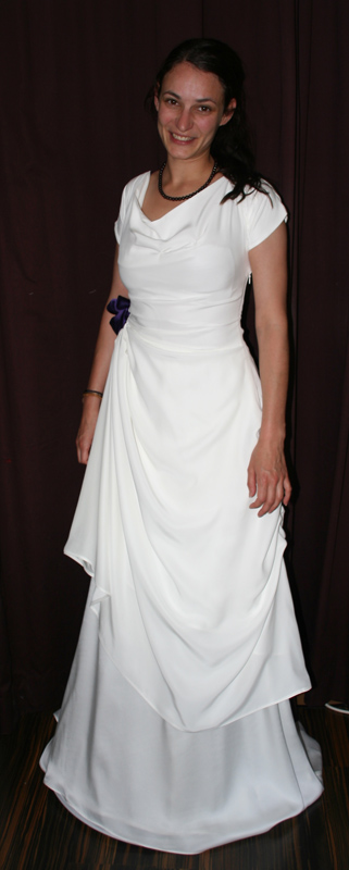 Brautkleid fließend Seide