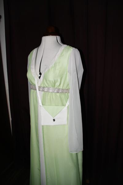 Brautkleid grün Tasche